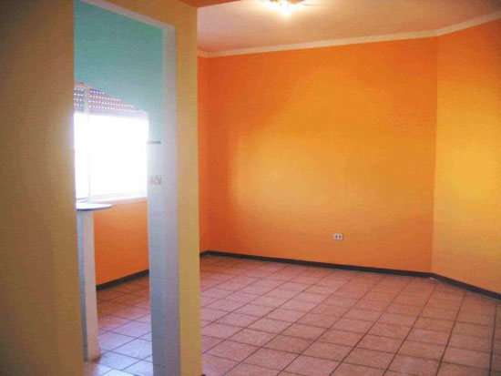 Color mandarina para suelos rústicos